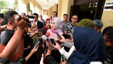 Photo of Perempuan di Baris Terdepan untuk Tangkal Berita Hoaks