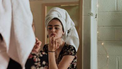 Photo of Cara Menghapus Make Up yang Benar Menurut Dokter Kulit